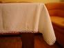 Бяла ленена покривка с ръчно плетена дантела + салфетки за хранене