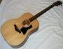 Продавам нова акустична китара Taylor 310