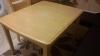 Продавам разтегателна трапезна маса + 4 стола в отлично състояние