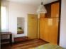 Обзаведен тристаен(две спални,хол и кухня) апартамент в центъра до Света петка 350лв.Има всичко необходимо за...
