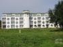 Напълно обзаведен тристаен апартамент на първа линия море