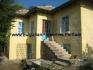 Продава се двуетажна къща в село Априлово