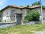 Продава се къща с огромна градина в село Берковски